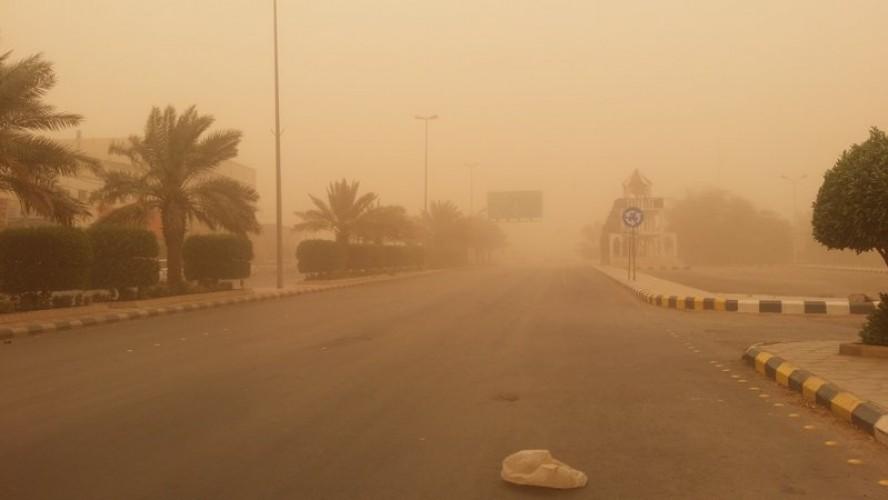 غبار يحد الرؤية على 4 مناطق غدًا