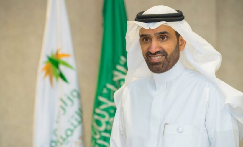 وزير الموارد البشرية يصدر قرار «العمل المرن» بالقطاع الخاص