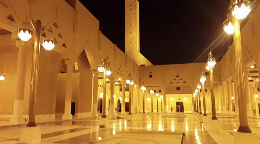 السماح لمؤذِّني الجوامع والمساجد بترديد تكبيرات العيد عبر مكبرات الصوت