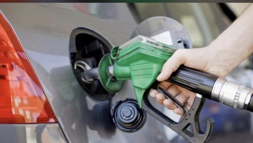 في السعودية.. أسعار البنزين ارتبطت بنسبة 100 % بسعر تصديره من السعودية إلى الأسواق العالمية.. ومختصون يؤكدون: آلية واضحة.. وارتفاع النفط سيرفع الأسعار مستقبلاً