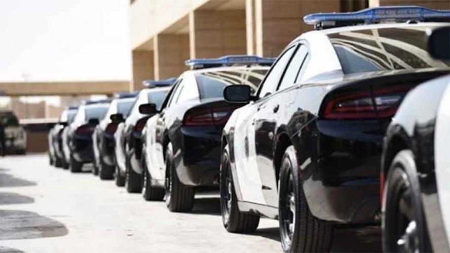 شرطة الرياض: القبض على مقيمَيْن استدرجا وافدَيْن واعتديا عليهما وسلبا أموالهما